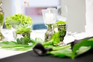 Tischdeko-gruen-schwarz-detail-gay-wedding-bremen-gluecksverbreiter