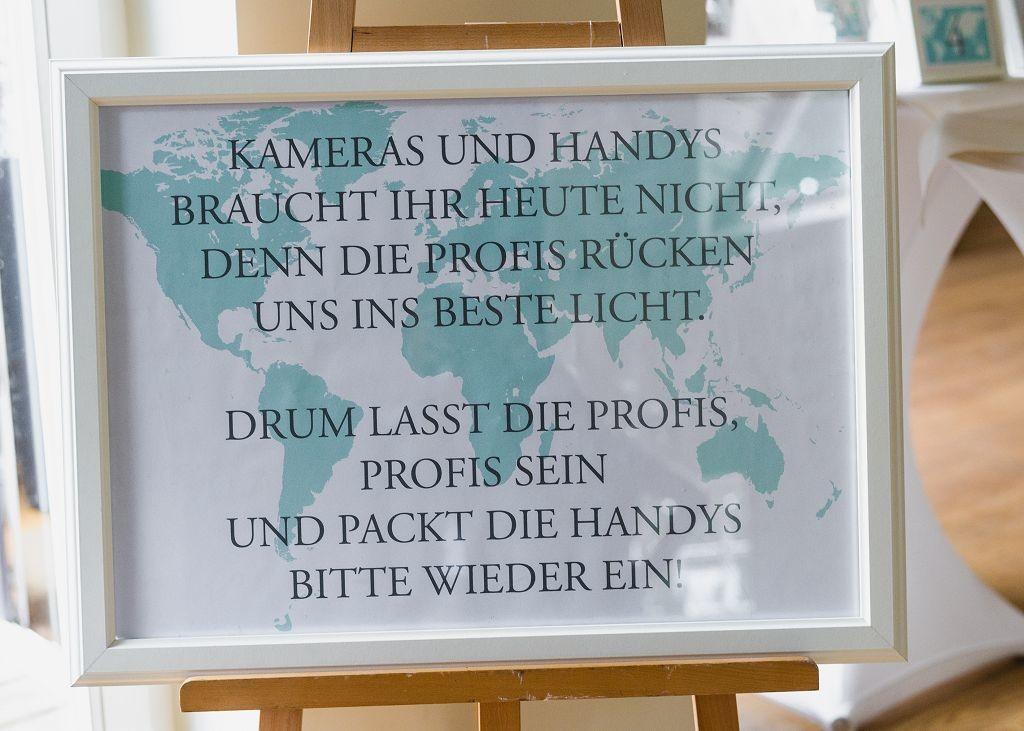 Schild-Kameras und Handys-Hochzeit in Oldenburg